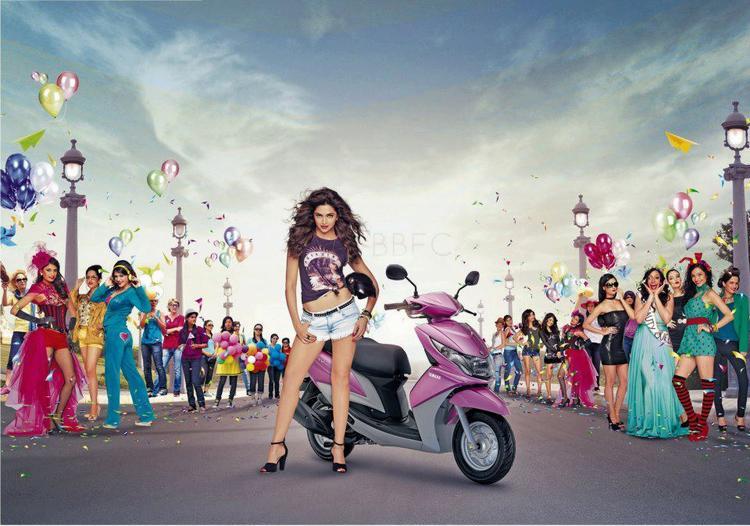 Deepika Padukone Looked Hot In Mini Pant With Yamaha Ray Bike