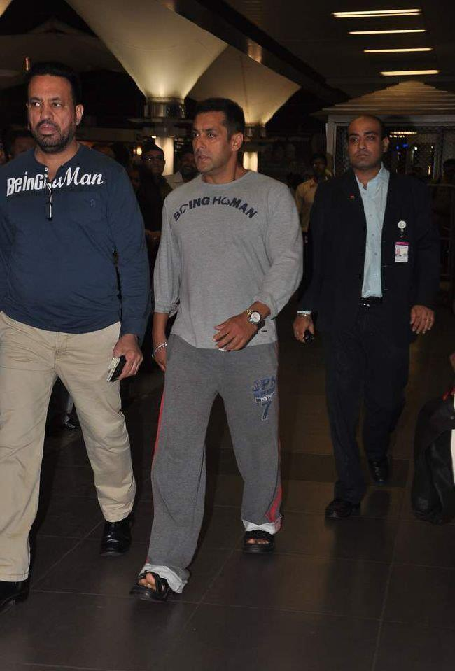 Salman With Bodyguard Shera Snapped At Airport After Return From Dubai