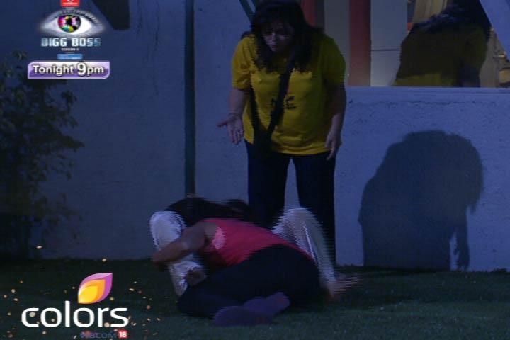 Sana And Aashka On Bigg Boss 6