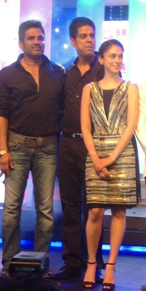 Suniel,Aditi And Murli At Bright Awards 2012