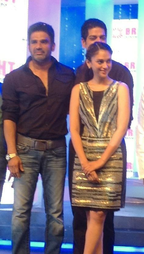 Suniel,Aditi And Murli Posed At Bright Awards 2012