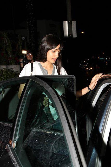 Freida Pinto Spotted Leaving A Resturant