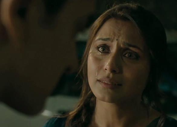 Rani  And Aamir Emotional Photo From Movie Talash
