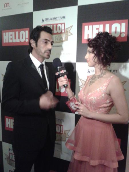 Arjuna Photo Clicked With Host At  Hello! Magazine Event