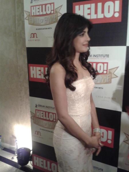 Priyanka Looked Gorgeous In A White Gown At  Hello! Magazine Event