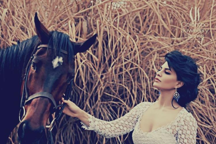 Jacqueline Fernandez Sizzling And Attractive Ad For Colombo Jewellery