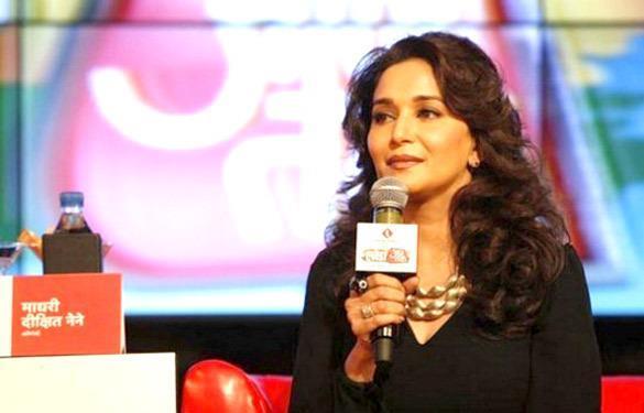 Madhuri Dixit Dazzles At Agenda Aaj Tak 2012 Event