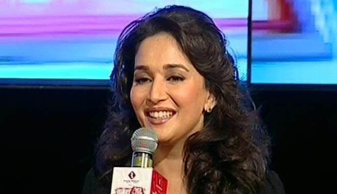 Madhuri Dixit Smiling Look At Agenda Aaj Tak 2012 Event