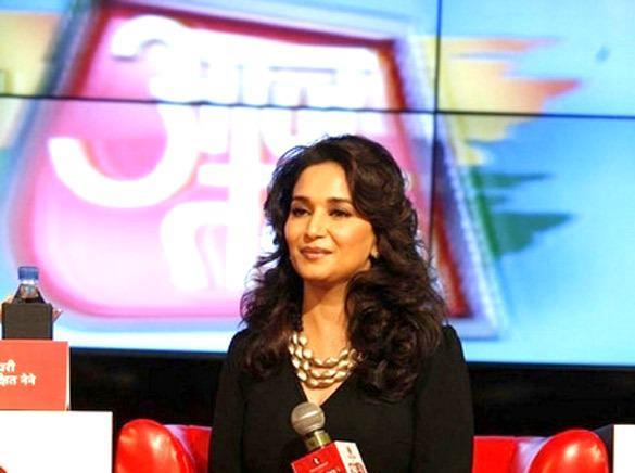 Madhuri Dixit Spotted At Agenda Aaj Tak 2012 Event
