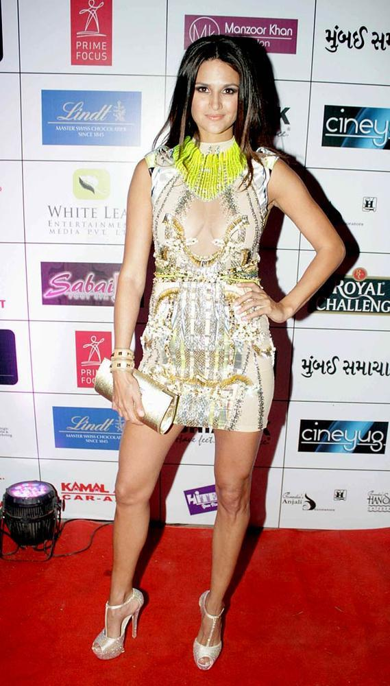 A Bollywood Celeb On Red Carpet Pose For Camera At 1st Bright Awards 2012
