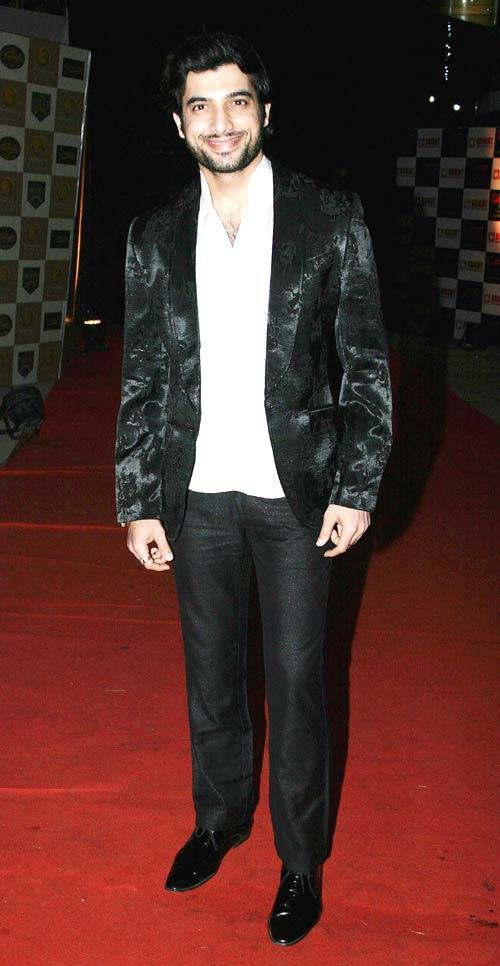 Sharad Malhotra Cute Smiling Still At 1st Bright Awards 2012