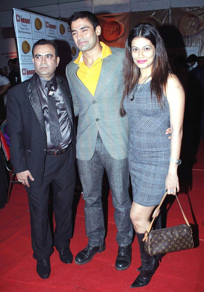 Yogesh,Sangram With Payal On Red Carpet Clicked At 1st Bright Awards 2012