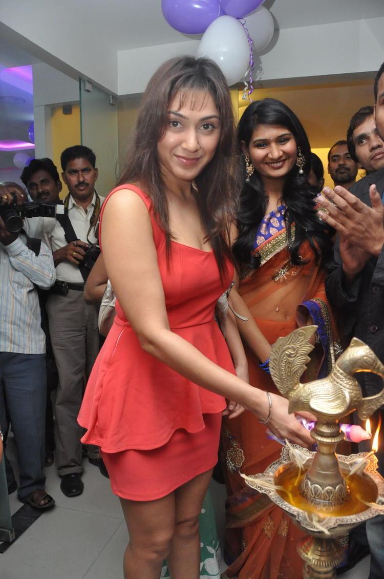 Manjari Lightening The Lamp At Naturals Salon At Vijayawada