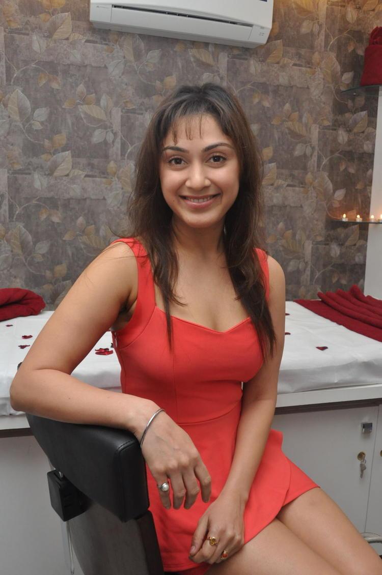 Manjari Sizzling And Dashing Still At Naturals Salon At Vijayawada
