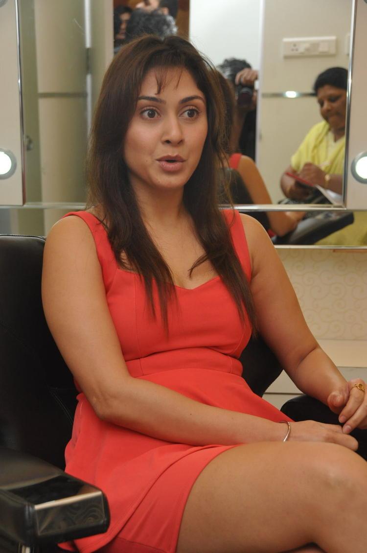 Manjari Trendy Looking Photo Clicked At Naturals Salon At Vijayawada