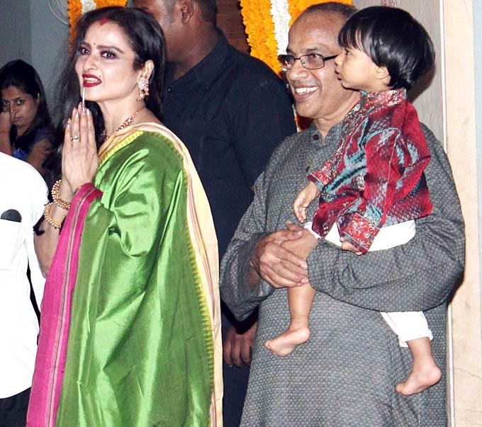 Rekha Make An Appearance At The Mehendi Ceremony Of Vidya Balan