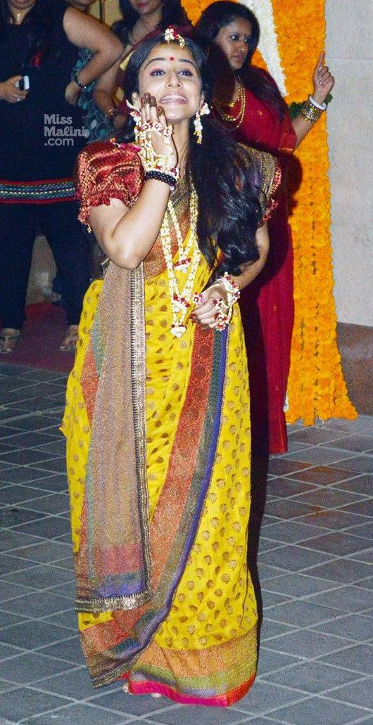 Vidya Balan Looked Gorgeous In Saree In Her Mehendi Ceremony
