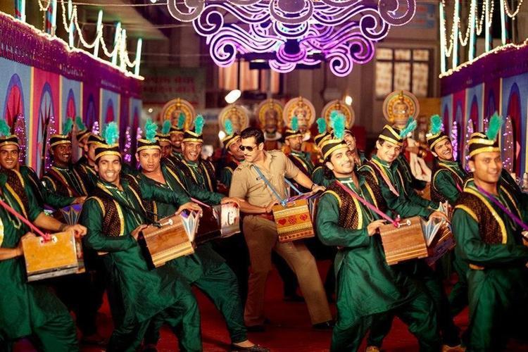 Salman Khan Dancing Still From Movie Dabangg 2