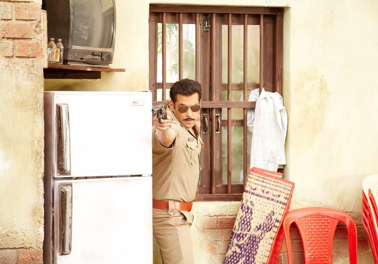 Salman Khan Exclussive Fight Photo From Movie Dabangg 2
