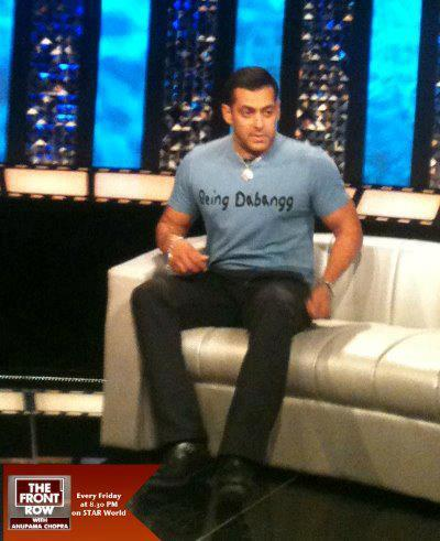 Salman Khan Photo Clicked On The Front Row Show During Dabangg 2 Promotion