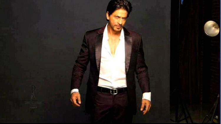 Shahrukh Romantic Look Photo Shoot For Le City Deluxe Magazine