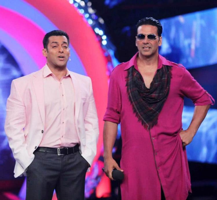 Akshay On The Sets Of Bigg Boss 6 With Host Salman To Promote Khiladi 786