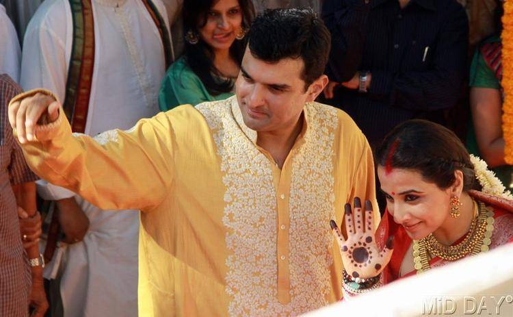 Siddharth Roy And Vidya Photo Clicked At Their Wedding Ceremony