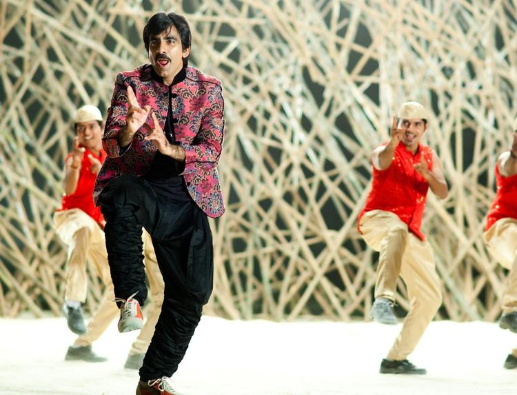 Ravi Teja Cool Dancing Pose From Sarocharu Movie