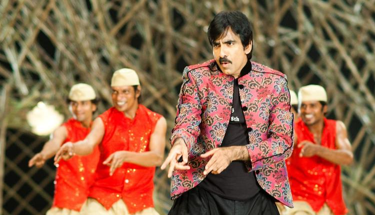 Ravi Teja Nice Dancing Still From Sarocharu Movie