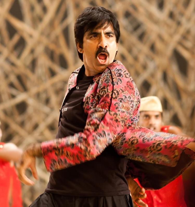 Ravi Teja Rocking Still From Sarocharu Movie