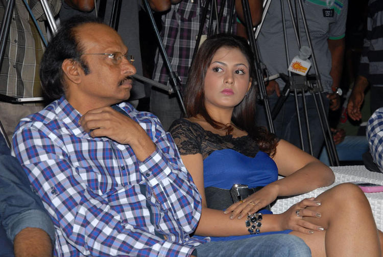 Madhu Shalini Attractive Look At Vodka With Varma Book Launch