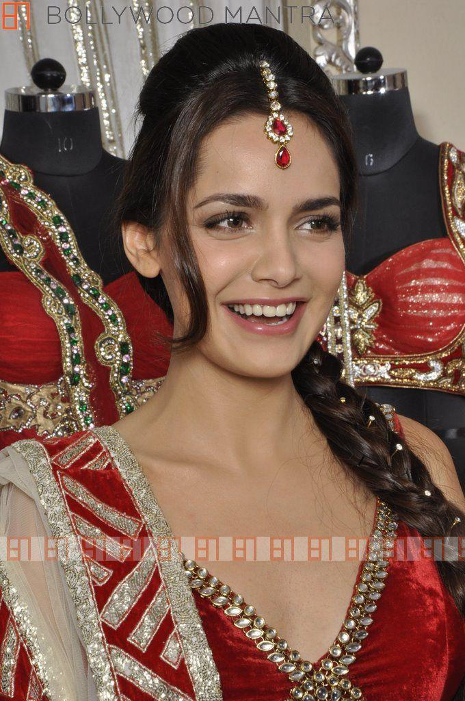 Shazahn Looked Ravishing In A Red Ensemble For Luv Israni's Photo Shoot