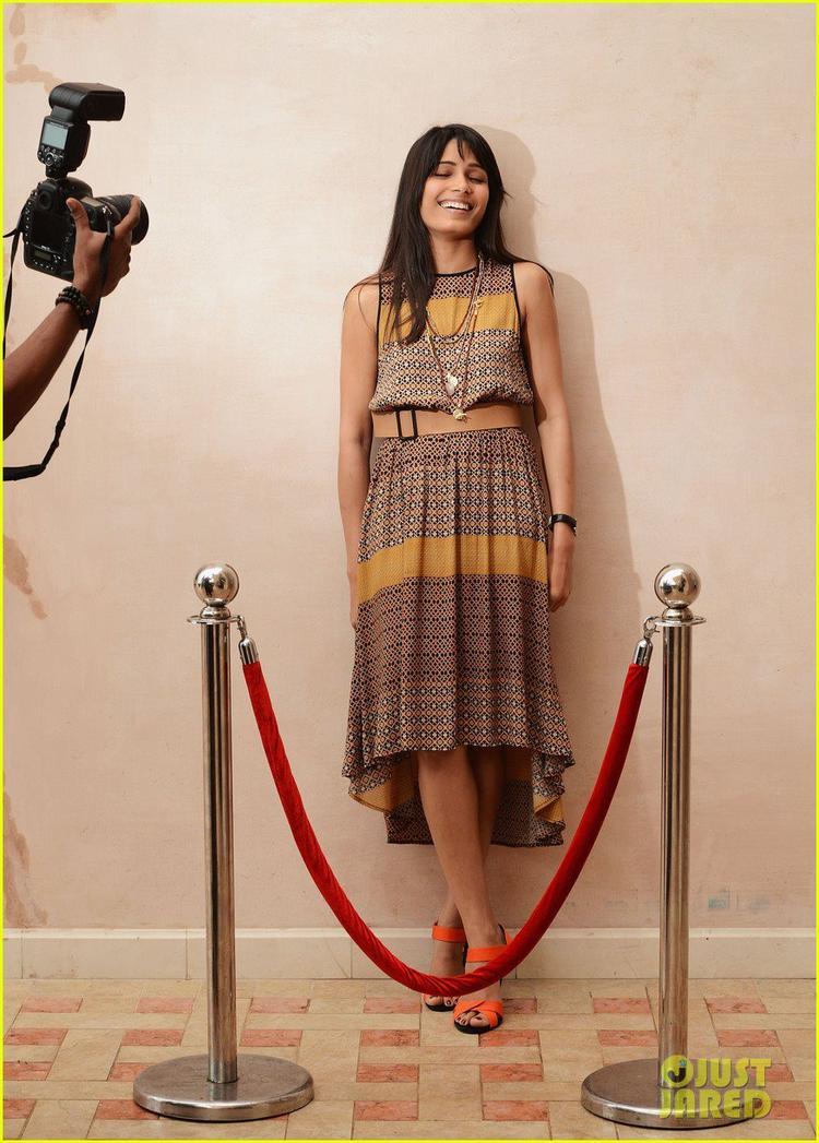 Freida Pinto Smiling Still Photo Clicked At Dubai Film Festival Portrait Session