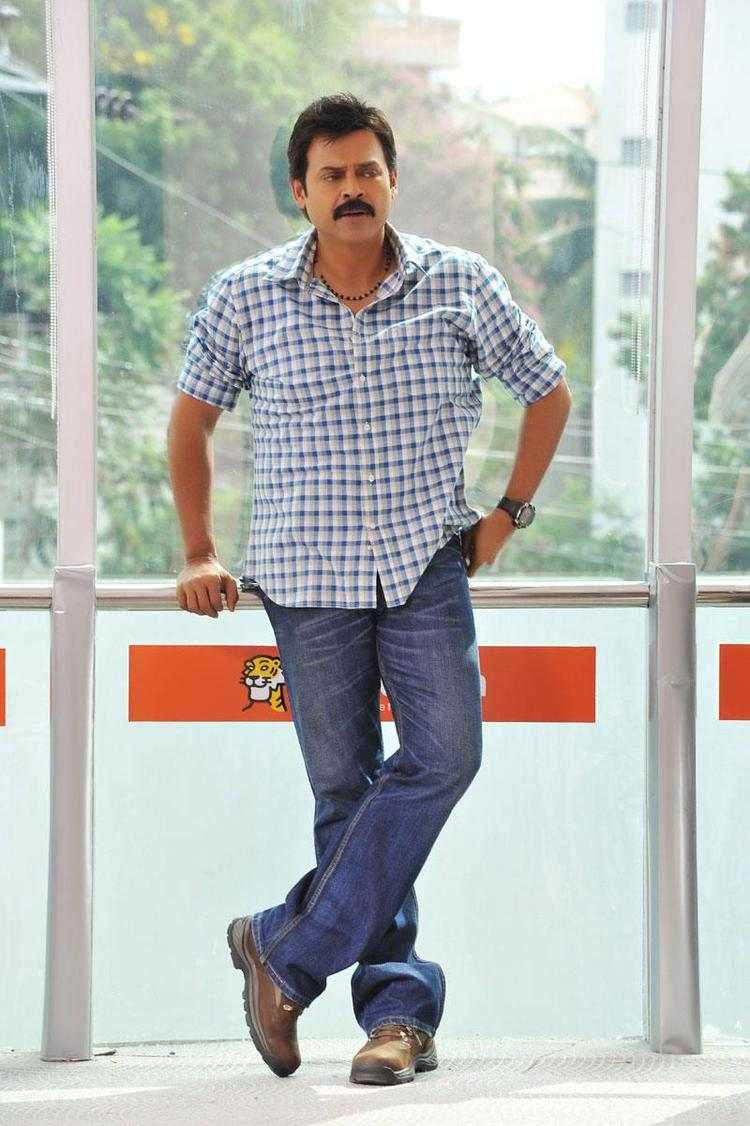 Venkatesh Looked Handsome In Jeans In Telugu Movie SVSC