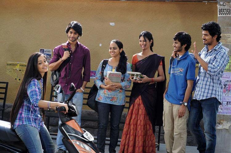 Abhijeet,Rashmi,Sudhakar,Kaushik,Shagun And Zara College Photo From Movie Life Is Beautiful