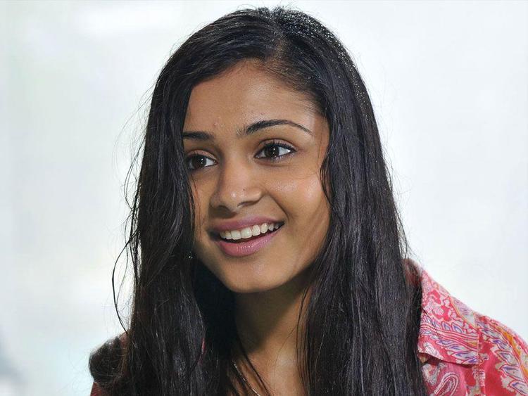 Rashmi Shashtry Cute Smiling Still From Movie Life Is Beautiful
