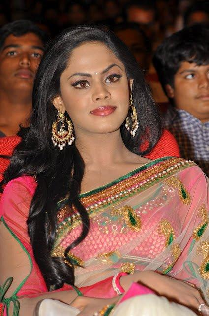 Karthika Sizzling And Attractive Photo Still In Saree
