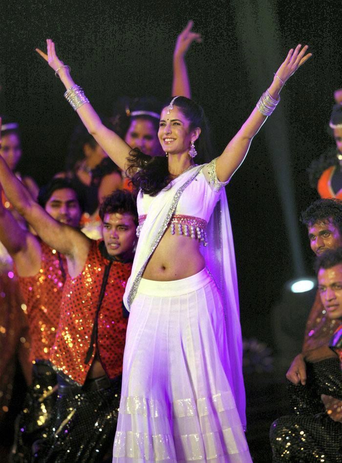 Katrina Sizzling Performance At The Kabaddi World Cup Closing Ceremony