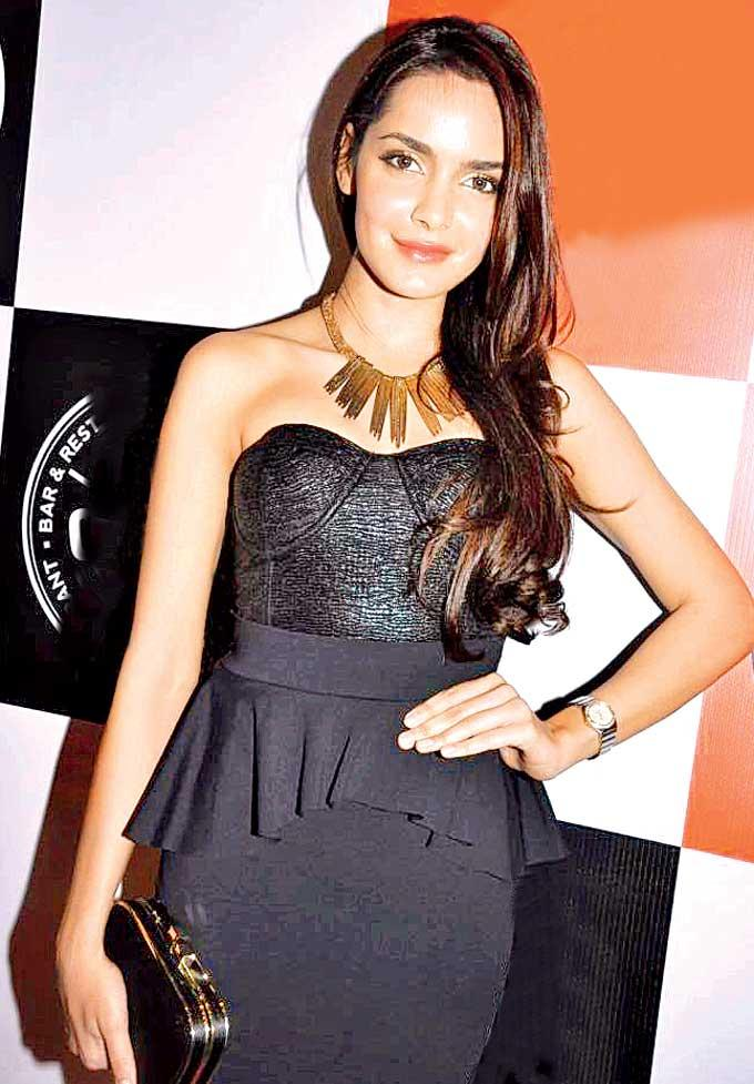 Shazahn Looked Sizzling In Black At Cheval Bar And Restaurant Launch Party