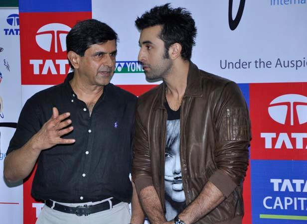 Ranbir And Prakash Photo Clicked On Stage During Tata Open Badminton Finale At CCI In Mumbai