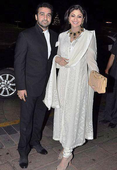 Raj With Wife Shilpa Clicked At Abhinav And Ashima Shukla Wedding Reception