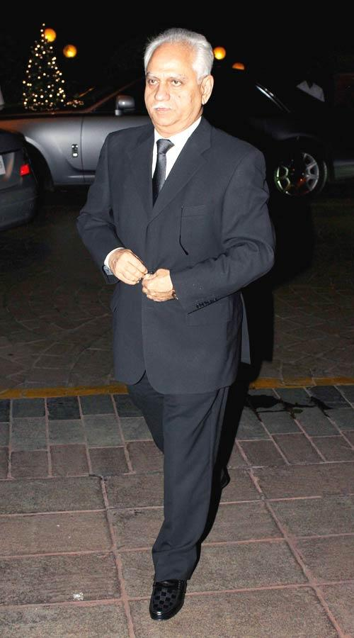 Ramesh Sippy Walks On At Abhinav And Ashima Shukla Wedding Reception