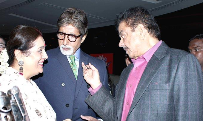 Shatrughan,Poonam And Amitabh Discussion Still At Shatrughan Sinha's Dinner For Doctors Of Ambani Hospital