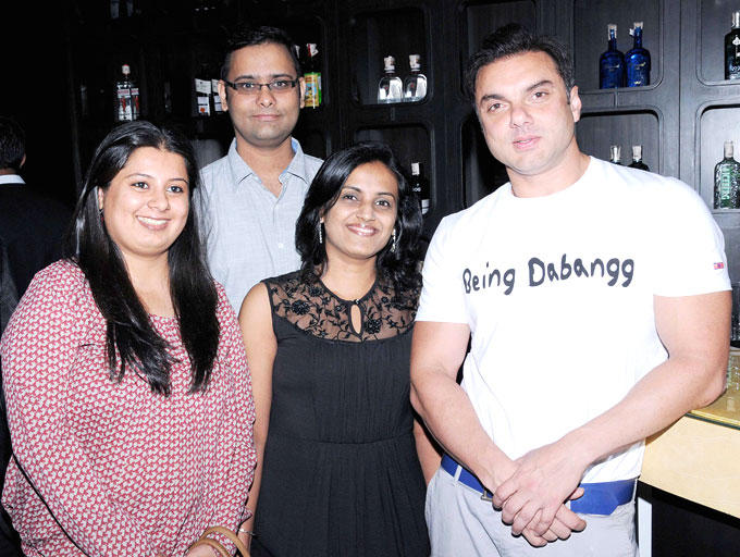 Sohail Poses With Other Guests At Shatrughan Sinha's Dinner For Doctors Of Ambani Hospital