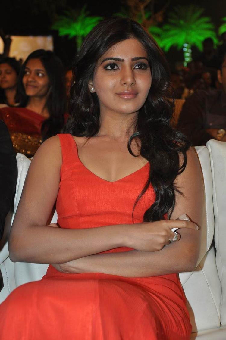 Samantha Charming Look Still At SVSC Audio Launch Function