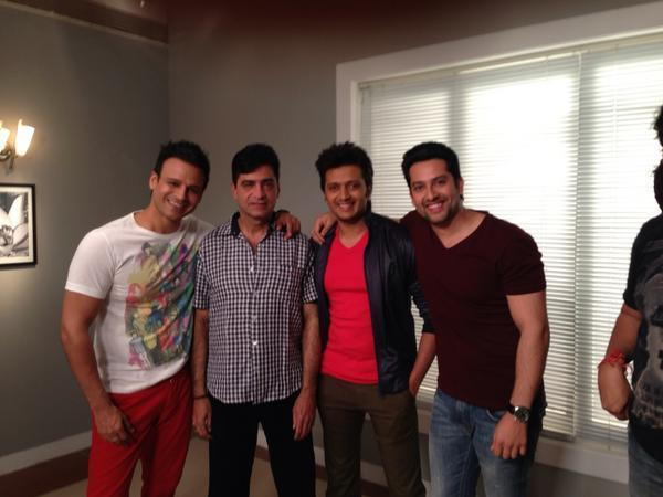 Director Indra,Vivek,Aftab And Riteish On The Sets Of Grand Masti