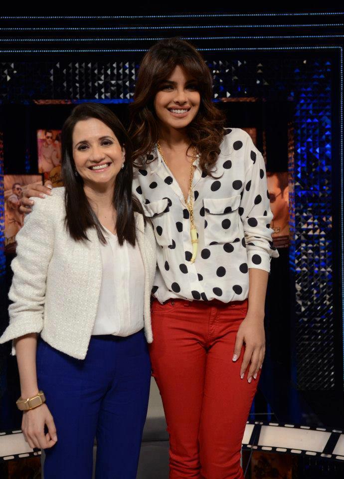 Priyanka And Anupama Flashing A Smiling Pose On The Front Row Show