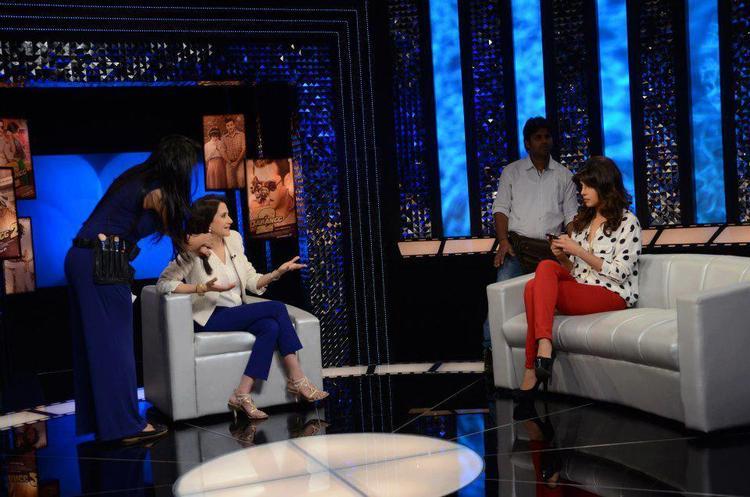 Priyanka With Anupama Chopra On The Front Row Show