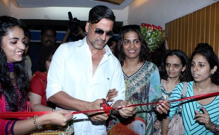 Akshay Inaugurates The 10th Upper Crust Food And Wine Show 2012