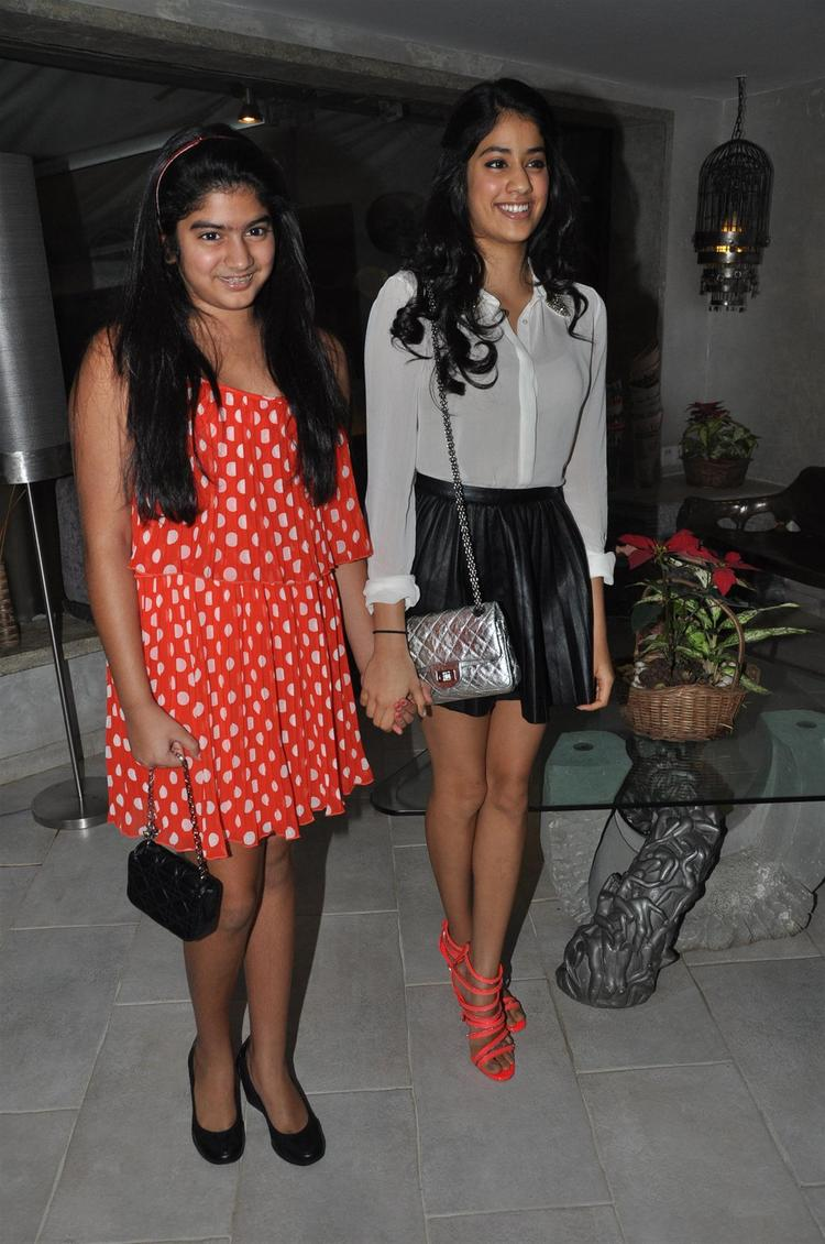 Jhanvi With Sis Khushi Smiling Still At People Magazine Cover Launch